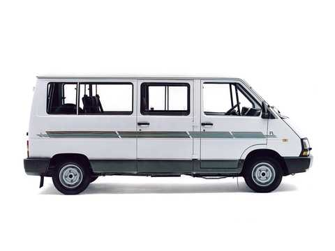 Side  of Renault Trafic Minibus 1991