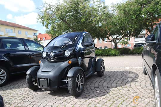 Front/Side  of Renault Twizy Urban 45 7 kWh Single Speed, 5ps, 2019