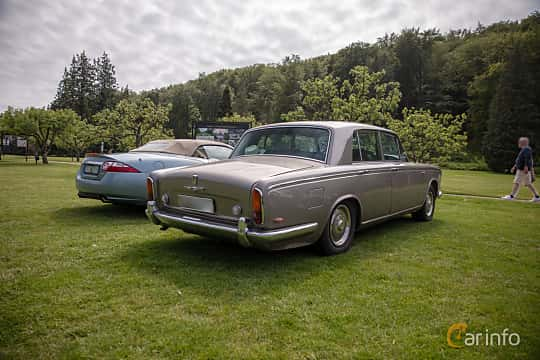 Back/Side of Rolls-Royce Silver Shadow 4-door 6.2 V8 Automatic, 178ps, 1969 at Rolls-Royce och Bentley, Norrviken Båstad 2019