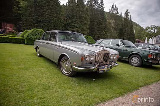 Front/Side  of Rolls-Royce Silver Shadow 4-door 6.2 V8 Automatic, 178ps, 1968 at Rolls-Royce och Bentley, Norrviken Båstad 2019
