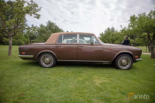 Side  of Rolls-Royce Silver Shadow 4-door 6.8 V8 Automatic, 200ps, 1976 at Rolls-Royce och Bentley, Norrviken Båstad 2019
