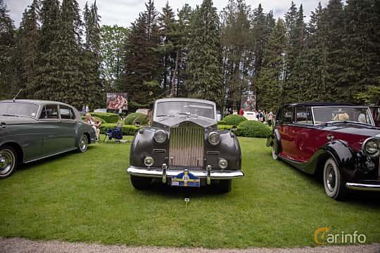 Front  of Rolls-Royce Silver Wraith 4.3 Manual, 137ps, 1957 at Rolls-Royce och Bentley, Norrviken Båstad 2019