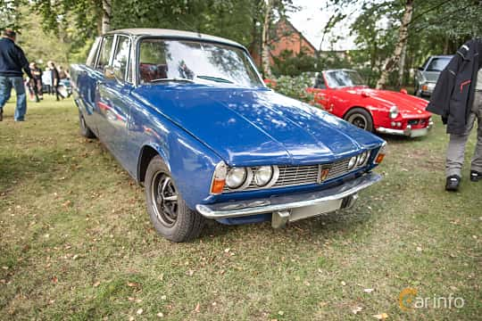 Front/Side  of Rover P6 2000 2.0 Manual, 106ps, 1969 at Billesholms Veteranbilsträff September / 2015