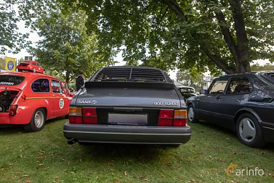 Back of Saab 900 3-door 2.0  Manual, 140ps, 1989 at Billesholms Veteranbilsträff 2019 augusti