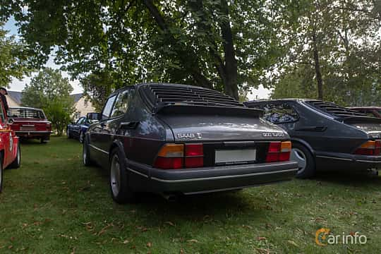 Back/Side of Saab 900 3-door 2.0  Manual, 140ps, 1989 at Billesholms Veteranbilsträff 2019 augusti