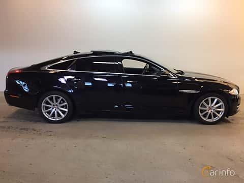 Side  of Jaguar XJ LWB 3.0 V6 AWD Automatic, 340ps, 2014