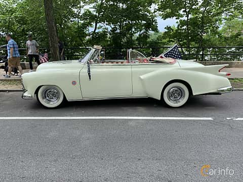 Side  of Chevrolet Styleline Deluxe Convertible Coupé 3.5 Manual, 91ps, 1949 at Father's Day Classic Car Show New York 2019