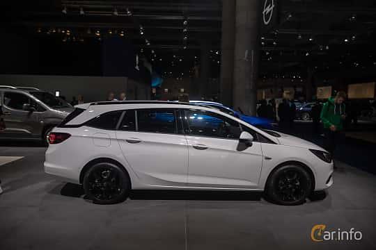 Sida av Opel Astra Sport Tourer 1.5 D Automatic, 122ps, 2020 på IAA 2019