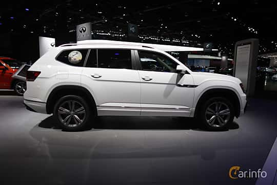 Sida av Volkswagen Atlas 3.6 V6 4Motion Automatic, 280ps, 2018 på North American International Auto Show 2018