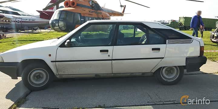 Side  of Citroën BX 1989 at Old Car Land no.1 2019