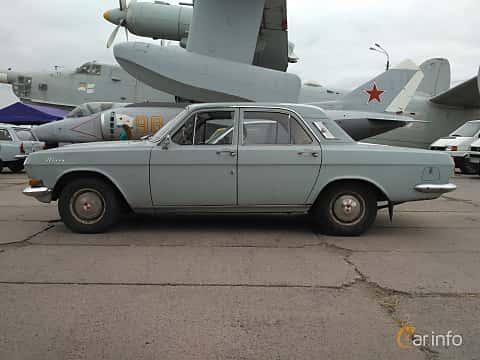 Side  of GAZ GAZ-24 2.4 Manual, 95ps, 1972 at Old Car Land no.2 2017