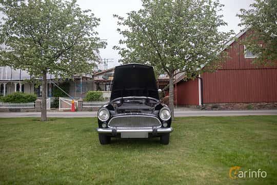 Front  of Simca Aronde Sedan 1.3 Manual, 57ps, 1959 at Veteranbilsträff i Vikens hamn  2019 Maj