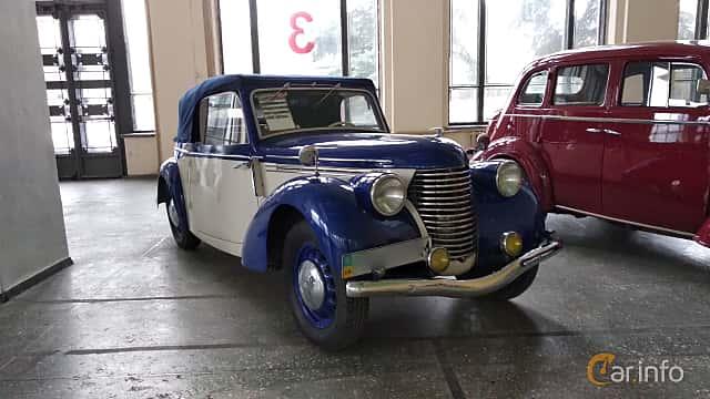 Fram/Sida av Skoda Popular 1100 OHV Convertible 1.1 Manual, 30ps, 1939 på Old Car Land no.2 2018