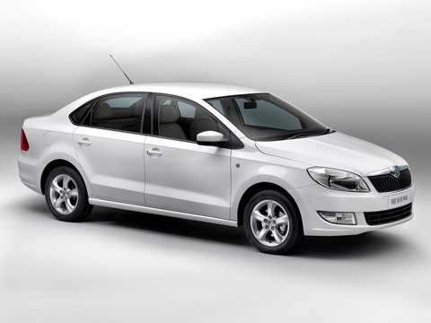 Front/Side  of Skoda Rapid (India) 2011