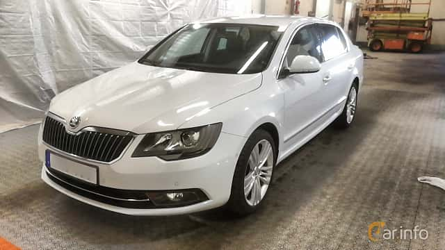 Front/Side  of Skoda Superb 2.0 TDI 4x4 DSG Sequential, 170ps, 2014