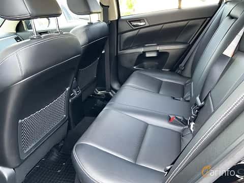 Interiör av Suzuki Kizashi 2.4 VVT 4WD CVT, 178ps, 2013