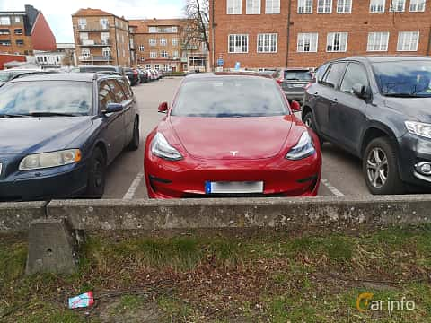Front  of Tesla Model 3 Long Range AWD 75 kWh Single Speed, 351ps, 2019