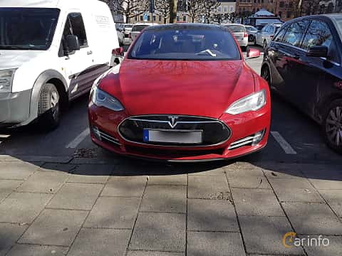 Front  of Tesla Model S 85D 85 kWh AWD Single Speed, 423ps, 2015