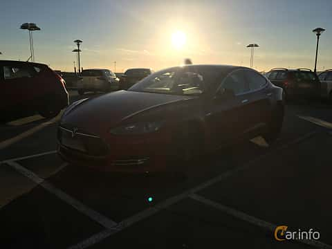 Fram/Sida av Tesla Model S 85D 85 kWh AWD Single Speed, 423ps, 2015