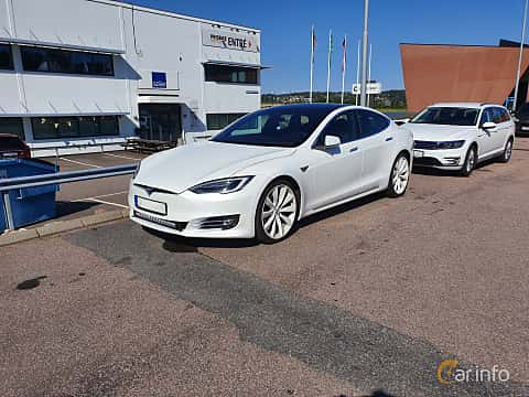 Front/Side  of Tesla Model S 75D 75 kWh AWD Single Speed, 333ps, 2018