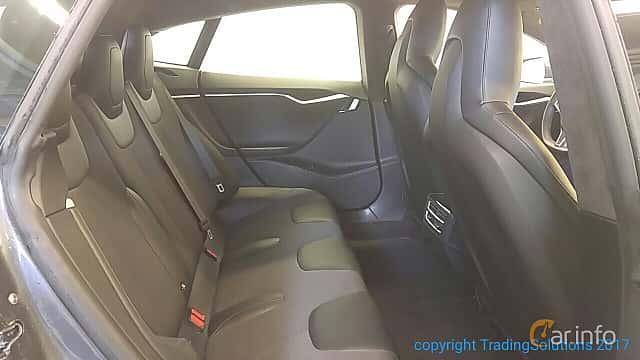 Interior of Tesla Model S P85 85 kWh Single Speed, 421ps, 2014