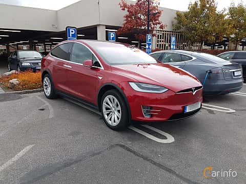 Front/Side of Tesla Model X 90D 90 kWh AWD Single Speed, 423ps, 2016