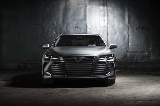Front  of Toyota Avalon 3.5 V6 Automatic, 304hp, 2019