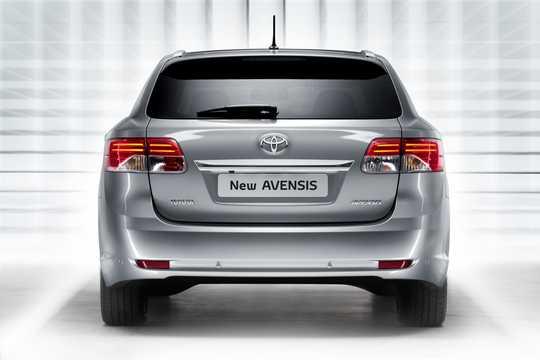 Bak av Toyota Avensis Kombi 2012