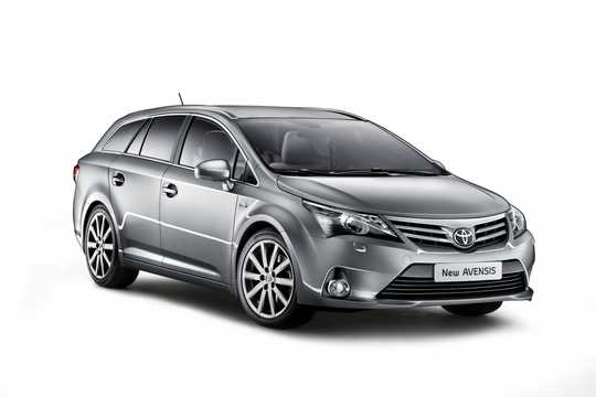 Front/Side  of Toyota Avensis Combi 2012