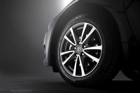Close-up of Toyota Avensis Sedan 2012