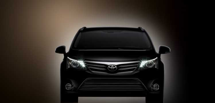 Front  of Toyota Avensis Sedan 2012