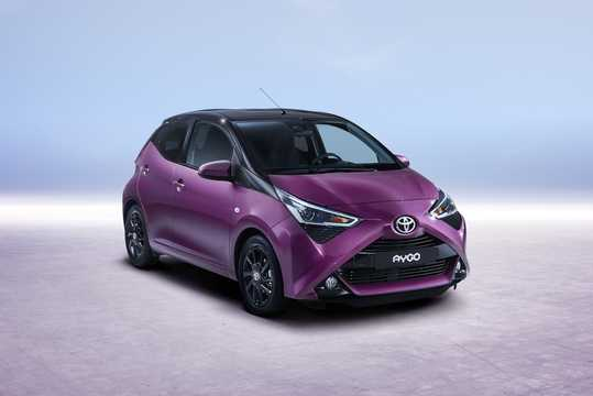 Front/Side  of Toyota Aygo 1.0 VVT-i Manual, 72hp, 2018