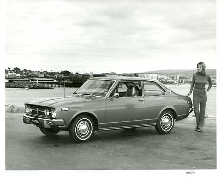 Front/Side  of Toyota Carina Hardtop 1973