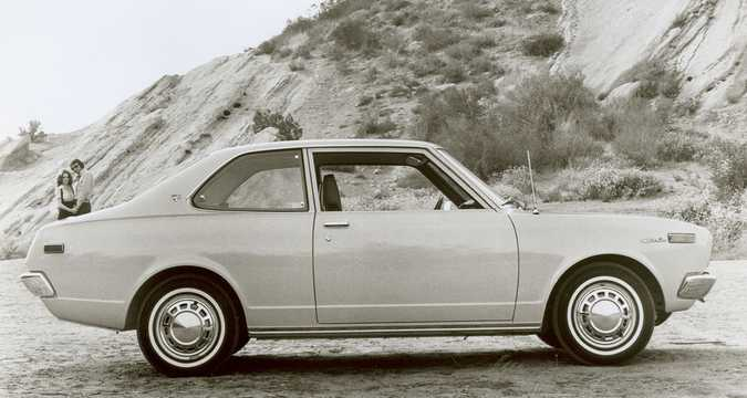 Side  of Toyota Carina Hardtop 1972