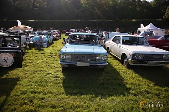 Fram av Toyota Crown 4-door Wagon 1968 på Tjolöholm Classic Motor 2018