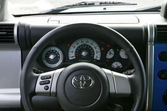 Interior of Toyota FJ Cruiser 4.0 V6 4WD Automatic, 242hp, 2007