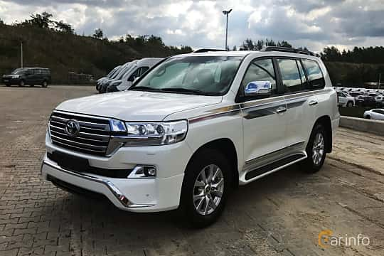 Front/Side  of Toyota Land Cruiser 4.5 V8 D-4D 4WD Automatic, 272ps, 2017