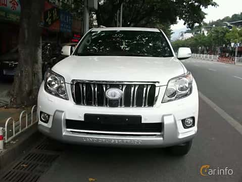 Front  of Toyota Land Cruiser Prado 2010