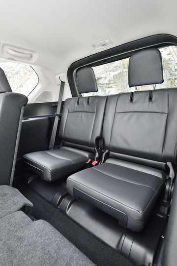 Interior of Toyota Land Cruiser Prado 5-door 2015
