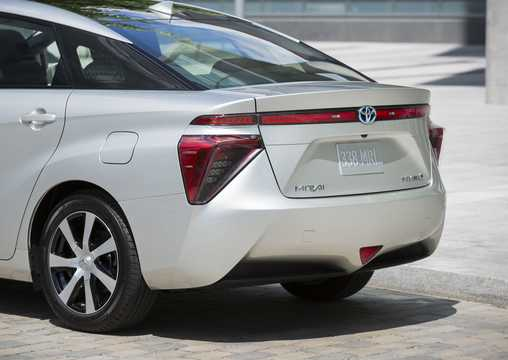 Close-up of Toyota Mirai FuelCell Single Speed, 154hp, 2016