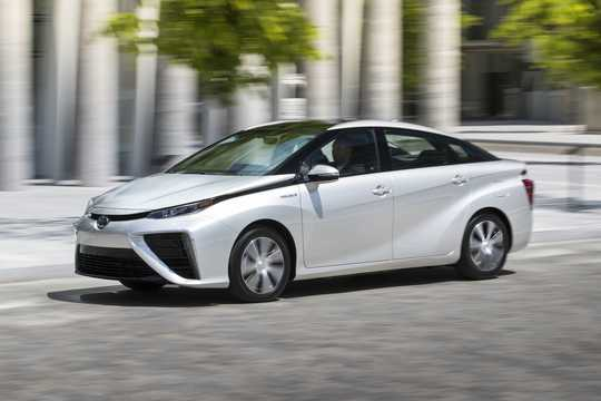 Front/Side  of Toyota Mirai FuelCell Single Speed, 154hp, 2016