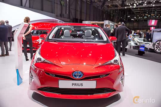Beautiful Toyota Prius Hybrid 18 VVTi CVT 123hp 2016