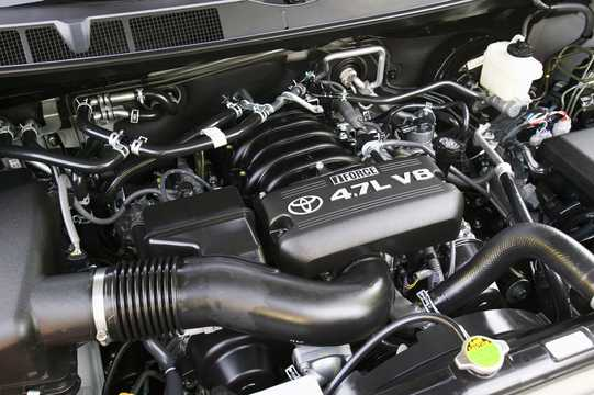 Engine compartment  of Toyota Sequoia 4.7 V8 Automatic, 280hp, 2009