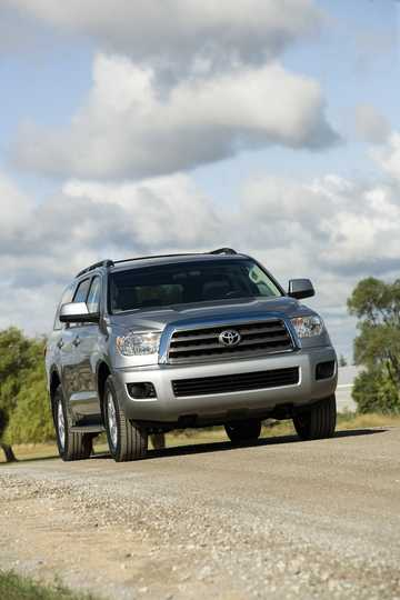 Front/Side  of Toyota Sequoia 5.7 V8 4WD Automatic, 386hp, 2009