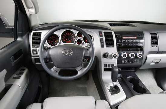 Interior of Toyota Sequoia 2009
