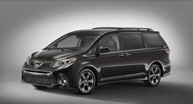 Front/Side  of Toyota Sienna 3.5 V6 Automatic, 301hp, 2018