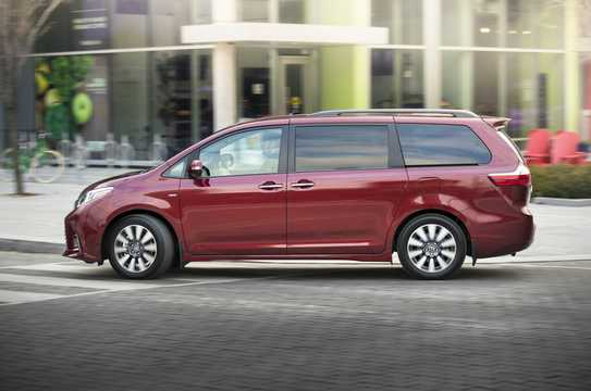 Side  of Toyota Sienna 3.5 V6 AWD Automatic, 301hp, 2018