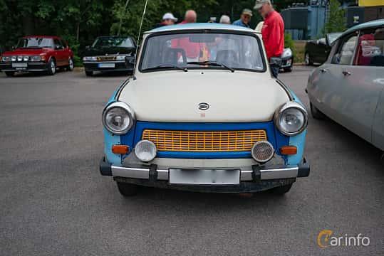 Front  of Trabant 601 Limousine 0.6 Manual, 26ps, 1987 at Motorhistoriska dagen i Bjärnum 2018