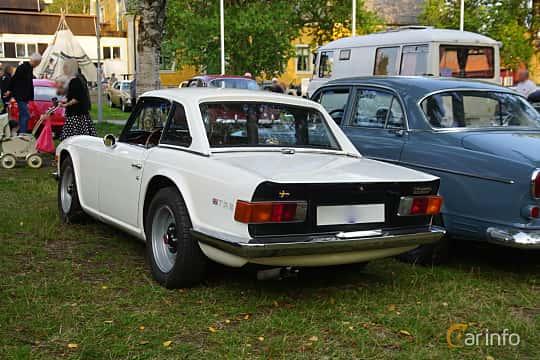 Back/Side of Triumph TR6 2.5 Manual, 150ps, 1970 at Onsdagsträffar på Gammlia Umeå 2019 vecka 35