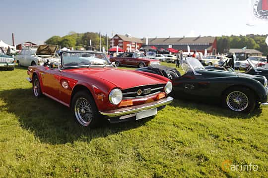 Front/Side  of Triumph TR6 2.5 Manual, 106ps, 1973 at Tjolöholm Classic Motor 2018